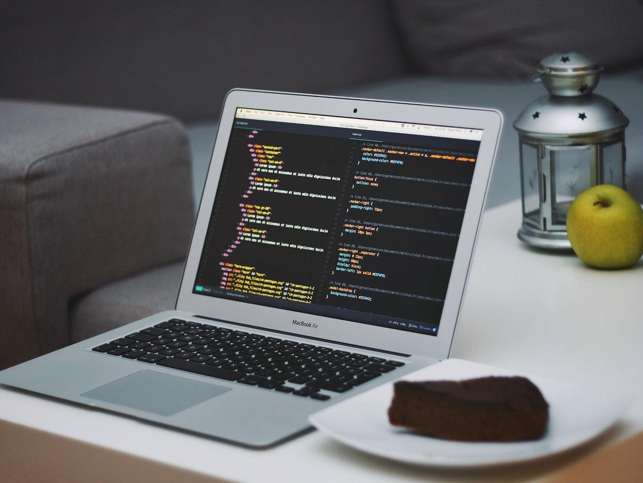 مطلوب مبرمج تطبيقات ومطور مواقع لشركة في اسطنبول