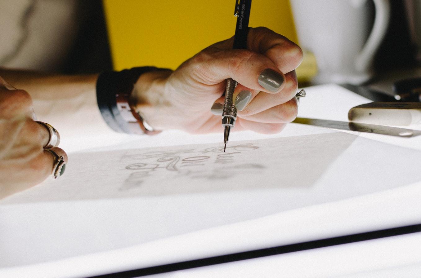 مطلوب مصممة جرافيك Junior Graphic Designer لشركة في اسطنبول