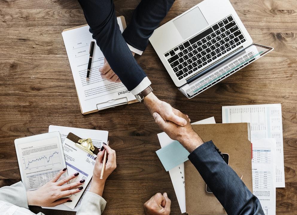 مطلوب موظفات في مجال المبيعات والترجمة